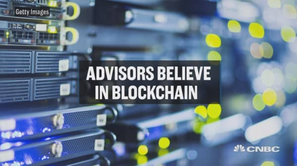 Advisors believe in blockchain