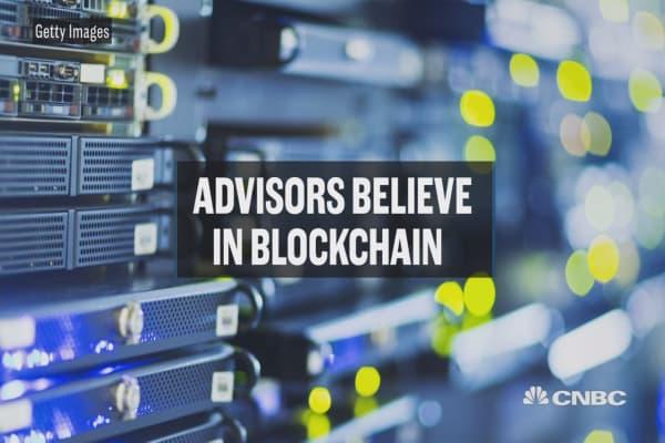 Advisors believe in blockchain