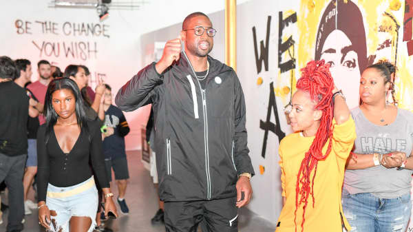 Dwyane Wade donates $200,000 to Parkland victims and sponsors art exhibit in their honor