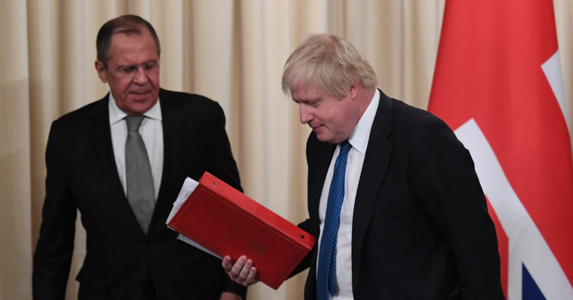 Russia to expel UK diplomats as row over spy attack escalates