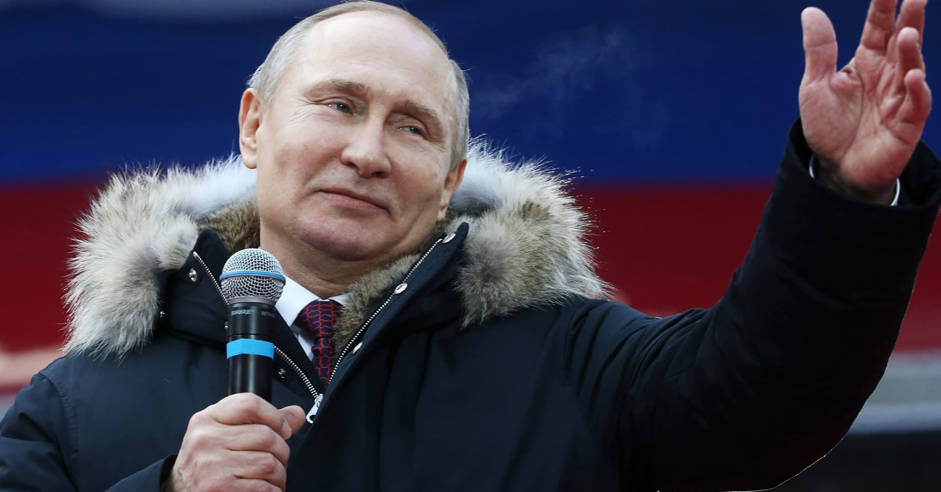Putin is on track for a win as Russians head to polls, but it's causing fears of a low turnout