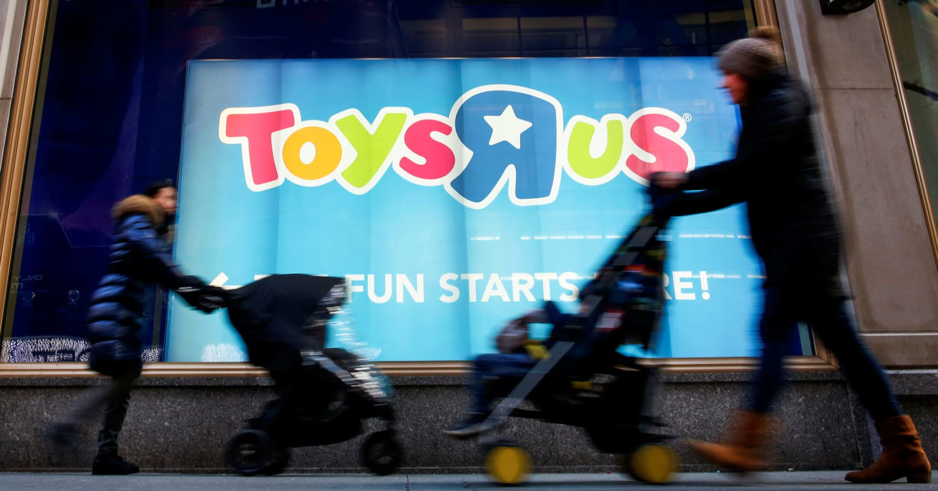Toys R Us built a kingdom and the world's biggest toy store. On Friday, its stores close for good.