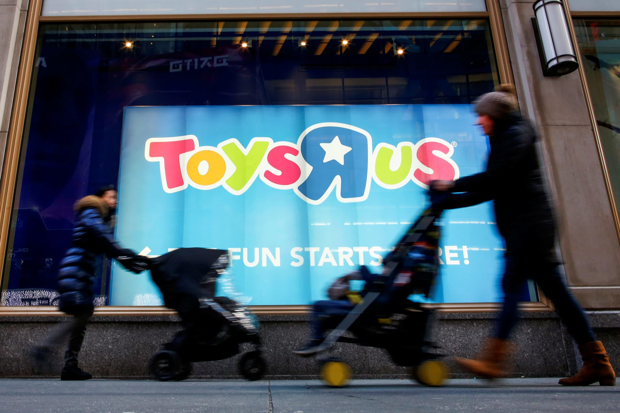 Toys r us stores set to be bid on by target big lots and aldi buycottarizona Images
