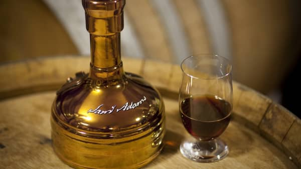 Utopias bottle and glass