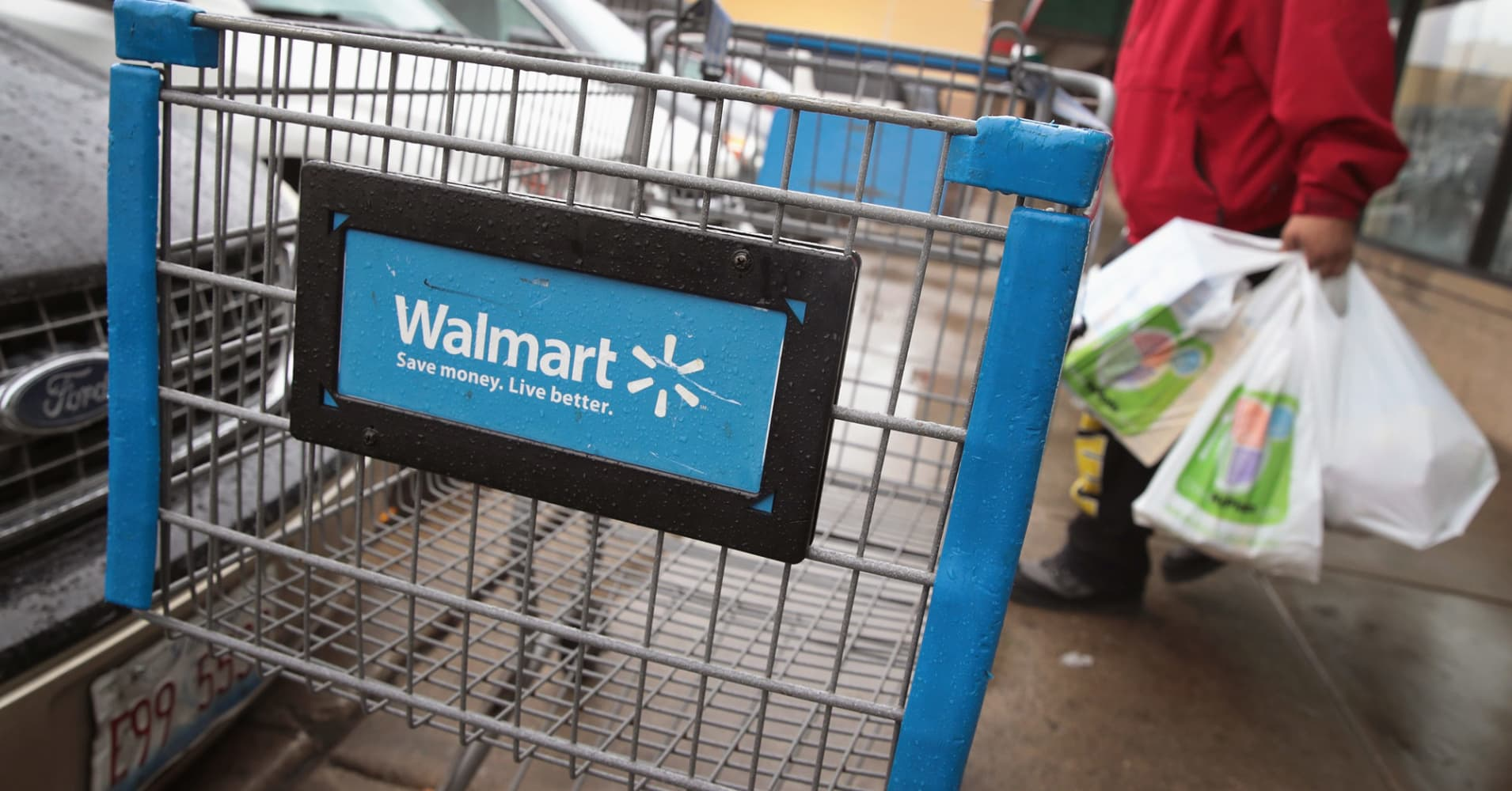 17-year-old Walmart employee quits over store intercom: 'Nobody should work here, ever'