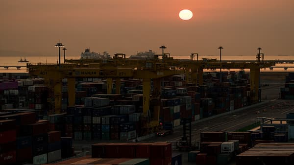 China: Resolve conflict via 'friendly negotiations'