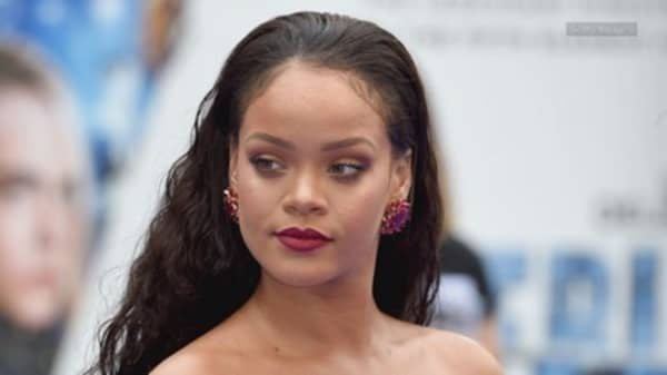 Snap takes a plunge after Rihanna tells followers to delete the app