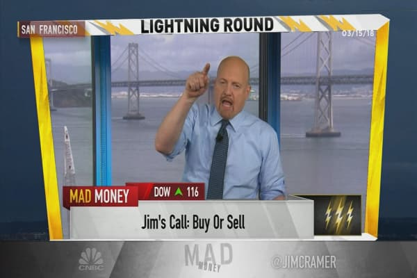 Cramer's lightning round: Stay out of Radian because housing is slowing