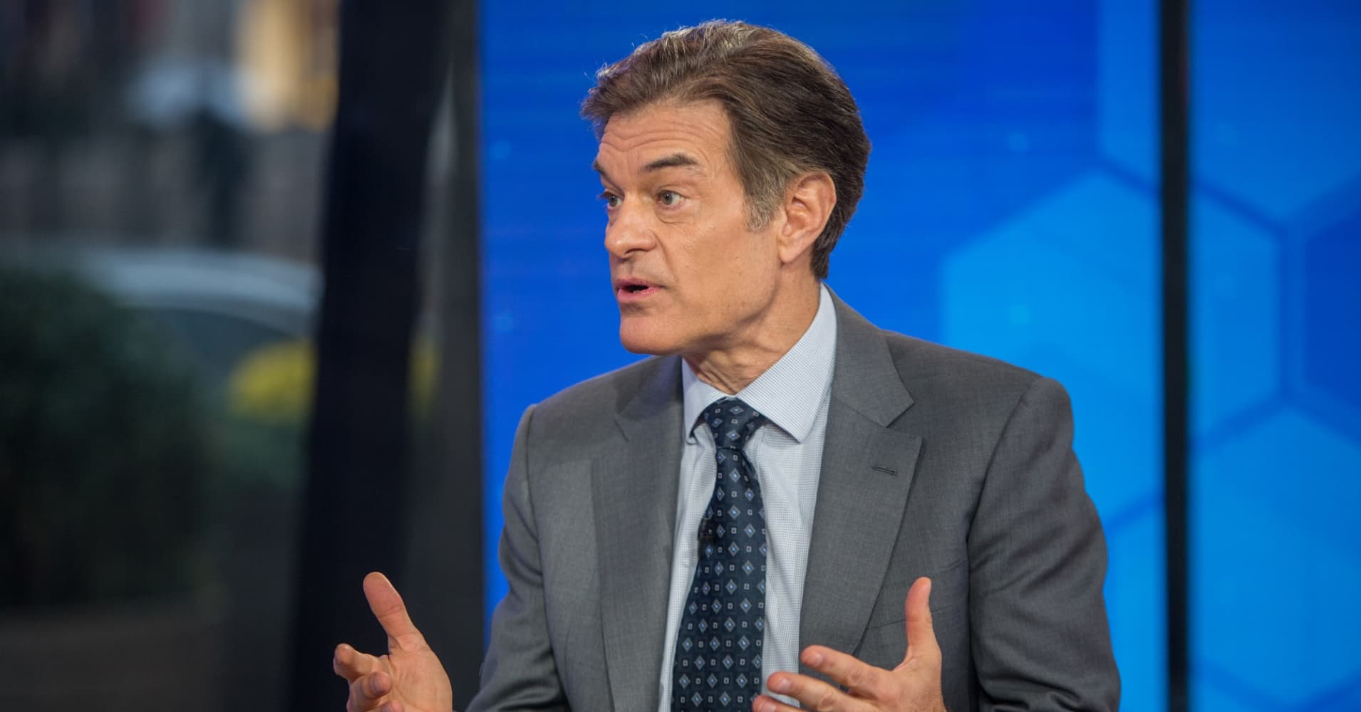 Dr. Oz shares the morning routine that keeps him productive all day