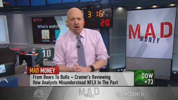 Cramer: Betting against Netflix because of its content is a huge mistake