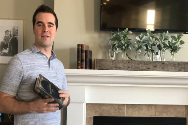 This 30-year-old quit his job to sell over $1 million worth of board games