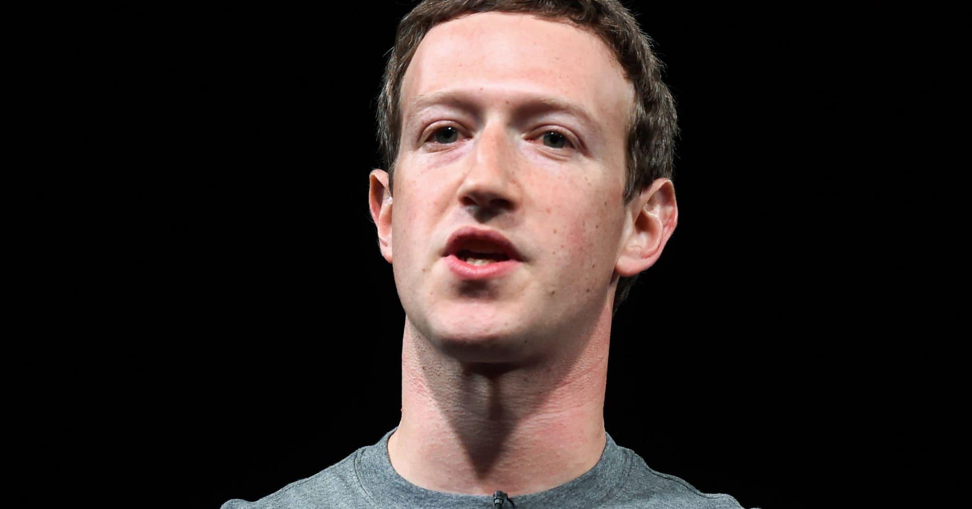 Senators send letter to Mark Zuckerberg asking for more details on the opposition PR firm Facebook hired image