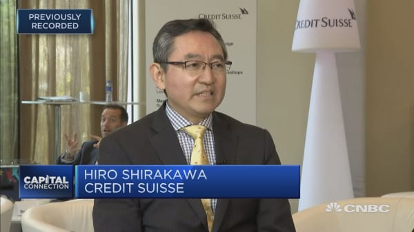 Abe's ratings tumble not a threat to administration yet: Economist