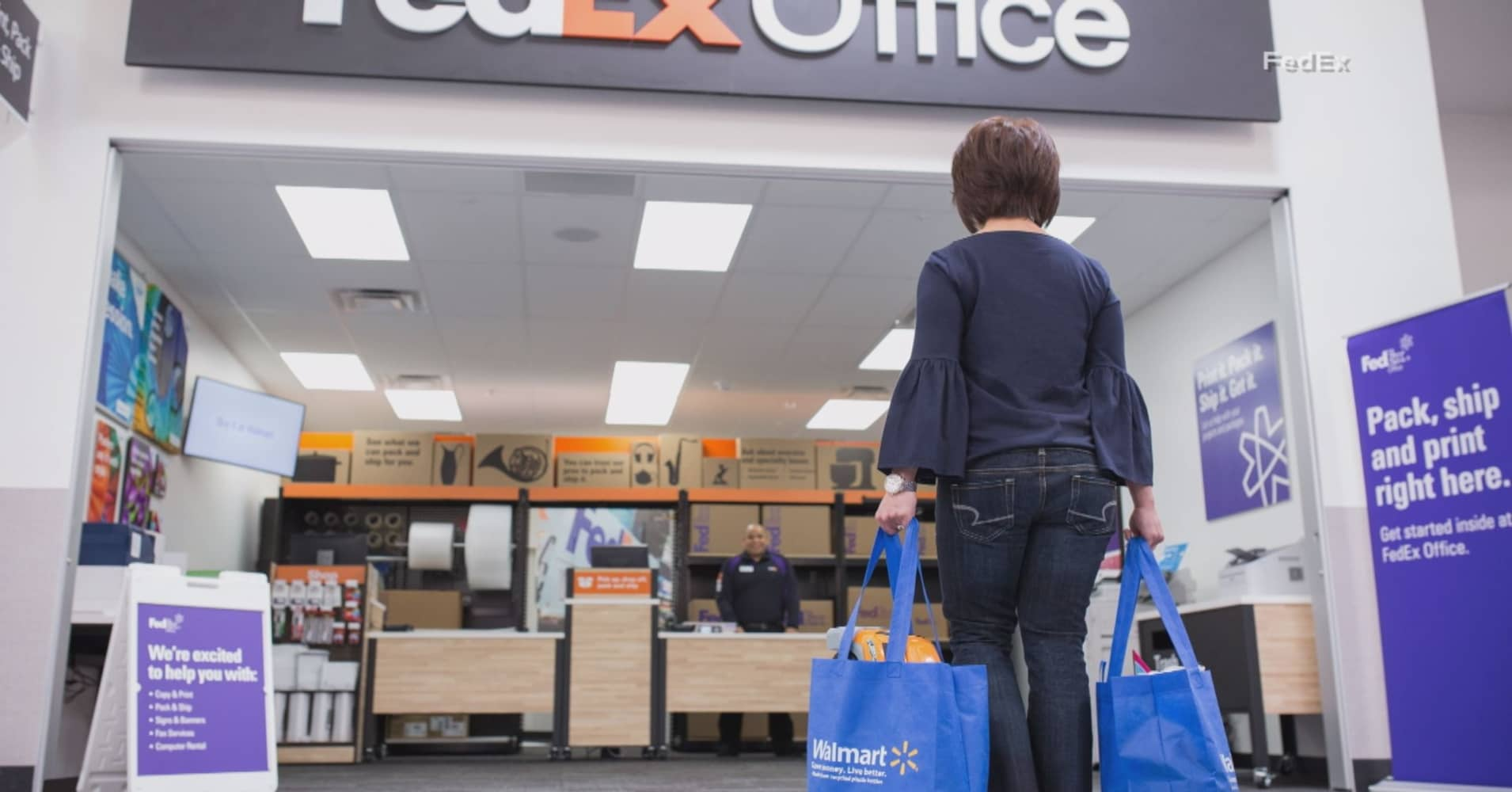 Walmart to bring fedex shops into 500 of its us stores malvernweather Gallery