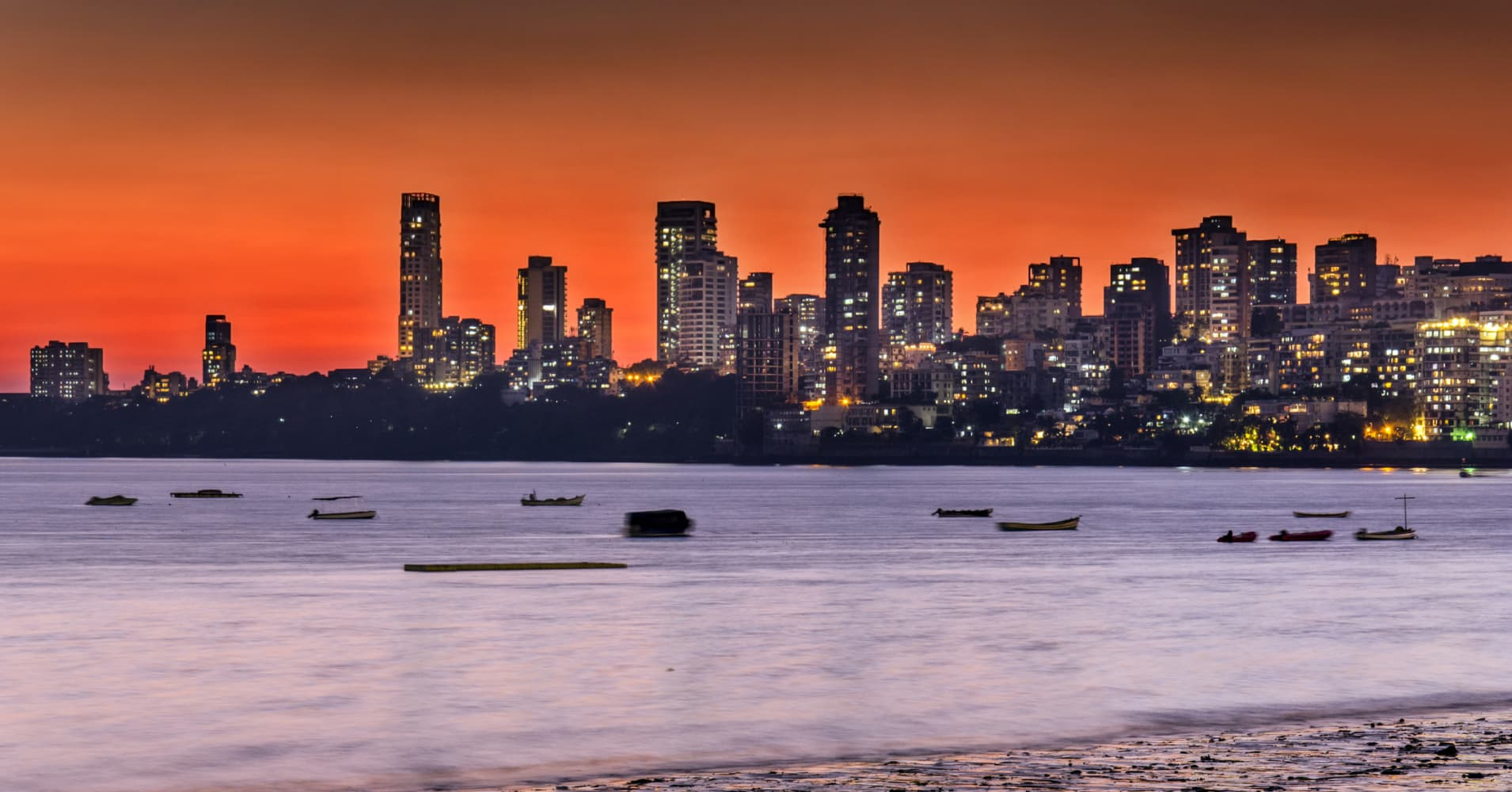 Panoramic View of Mumbai skyline from Marine drive
