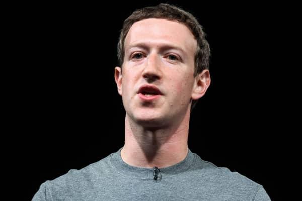 Zuckerberg addresses data scandal in Facebook post
