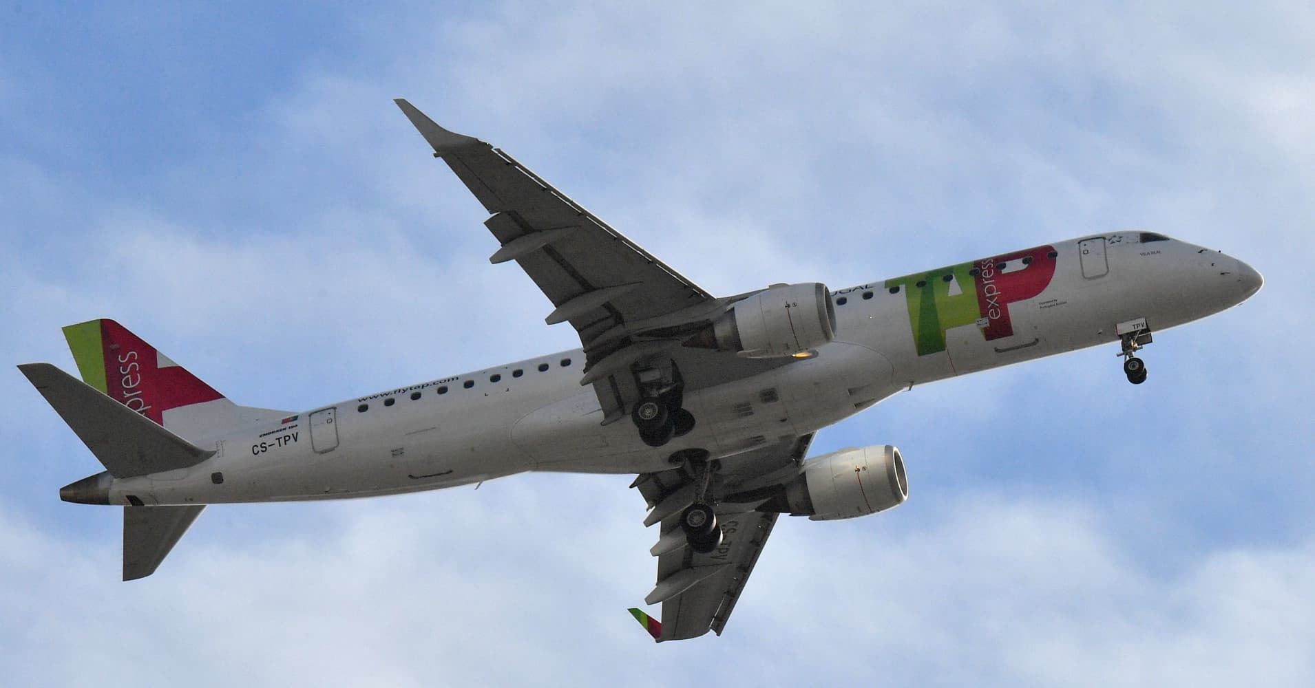 106 passengers stranded in Germany due to drunken co-pilot