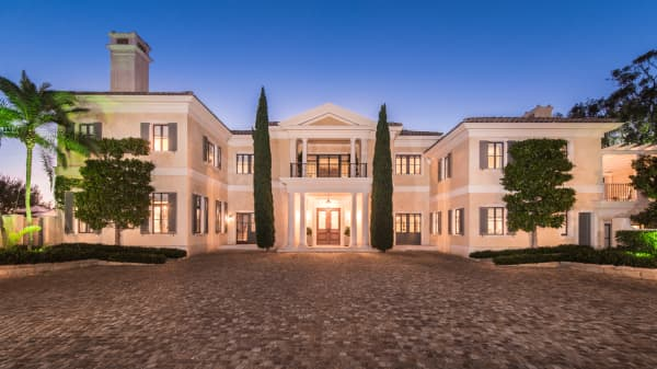 Mansion Wide