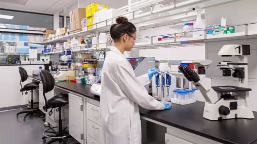J&J provides scientists with shared lab work space at its JLAB facility in San Francisco.