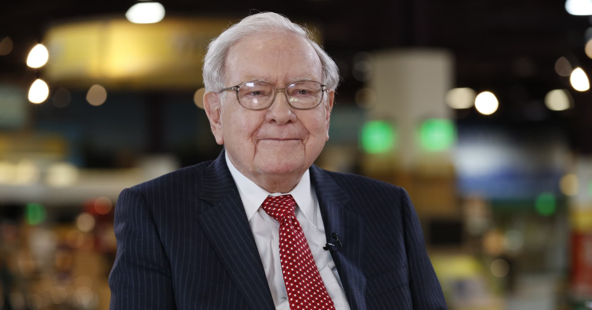 News post image: Warren Buffett got $115 in stock at age 11: How much it would be worth if he'd bought an index fund