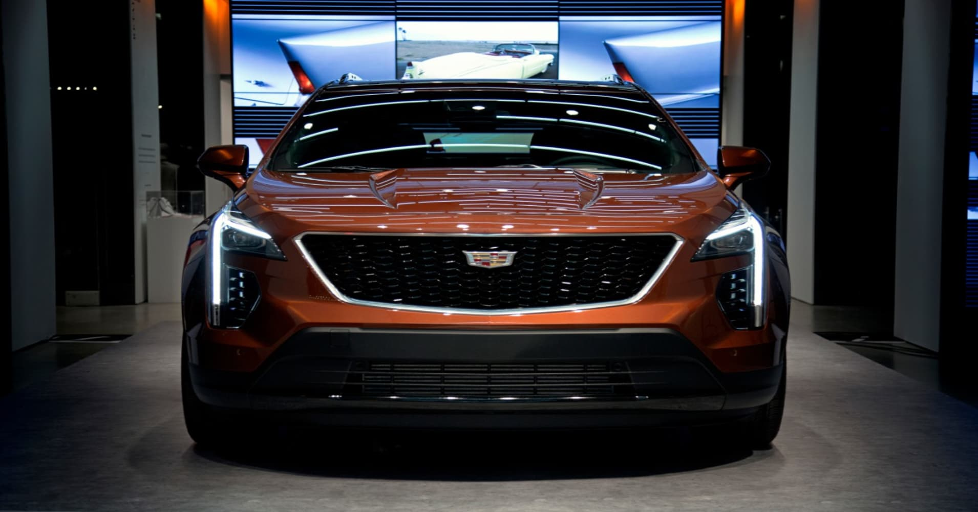 Cadillac kicks off lineup revamp with $36,000 XT4 crossover