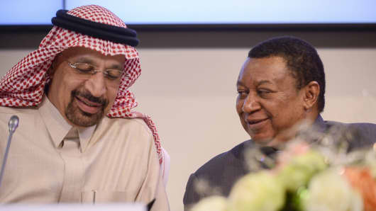 Secretary General of OPEC, Mohammed Barkindo (R) and Saudi Arabia's Minister of Energy, Industry and Mineral Resources, Khalid Al-Falih (L) hold a joint press conference during the 173rd Ordinary Meeting of the Organisation of Petroleum Exporting Countries (OPEC) in Vienna, Austria on November 30, 2017.