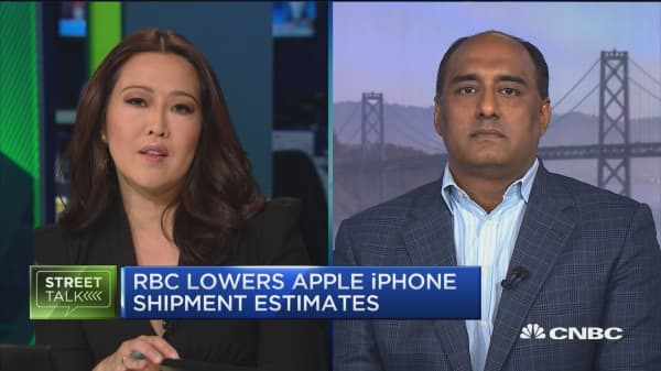 RBC lowers Apple iPhone shipment estimates on 'sluggish' demand