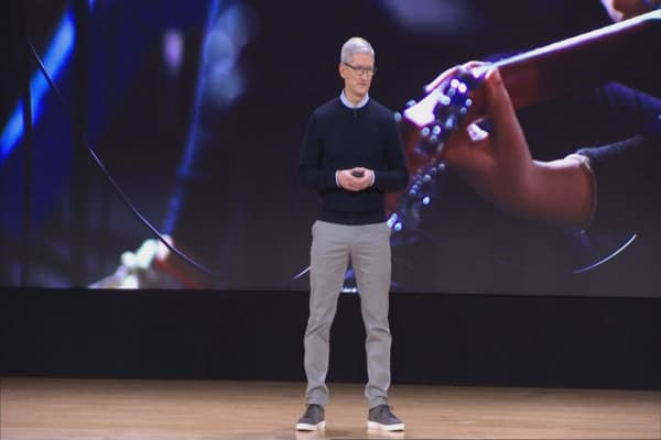 Tim Cook on Facebook's data leak scandal: 'I wouldn't be in this position'