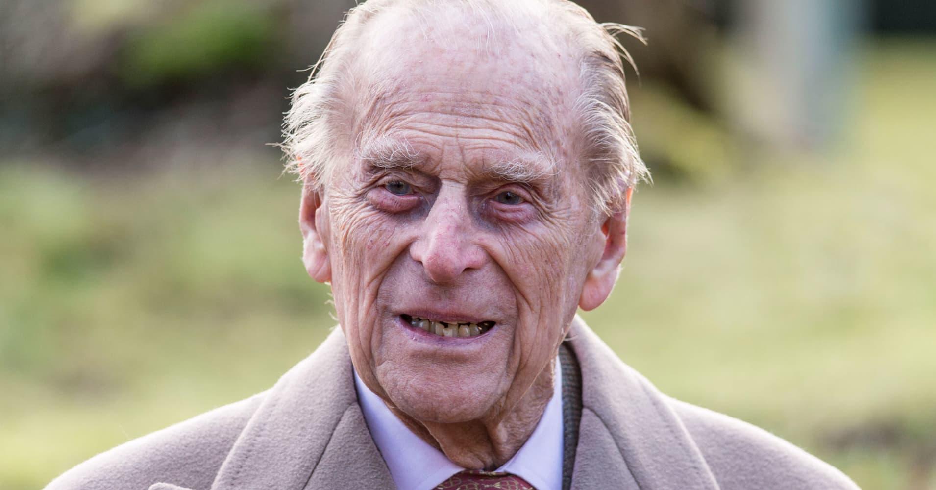 Prince Philip, 97, gives up driver's license after crash