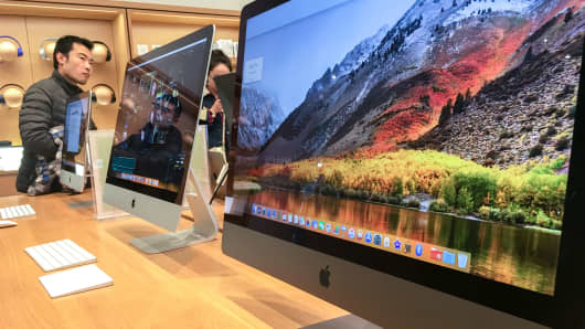An iMac Pro computer in an Apple store.