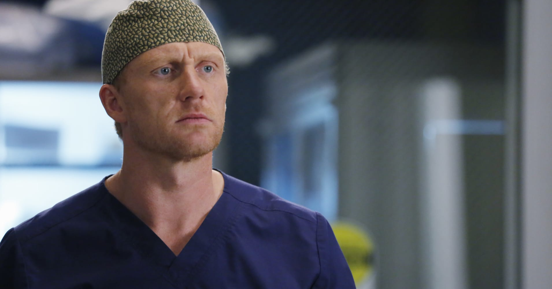 "Kevin McKidd as Dr. Owen Hunt on ABC's ""Grey's Anatomy"""
