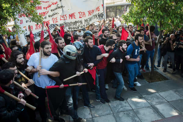 Greek students gather during a protest against reforms in the education sector on March 30, 2018 near Prime Minister's office, in Athens.