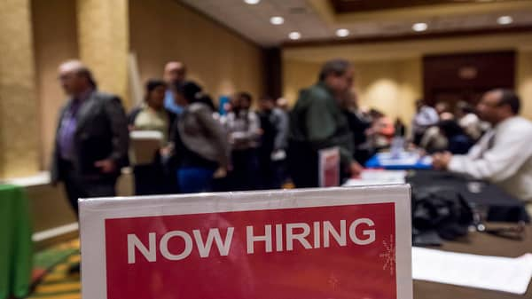 LinkedIn report: Hiring keeps pace through March