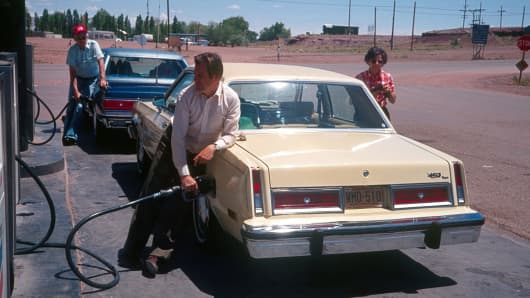 Travelers at a gas station in Arizona, 1981.
