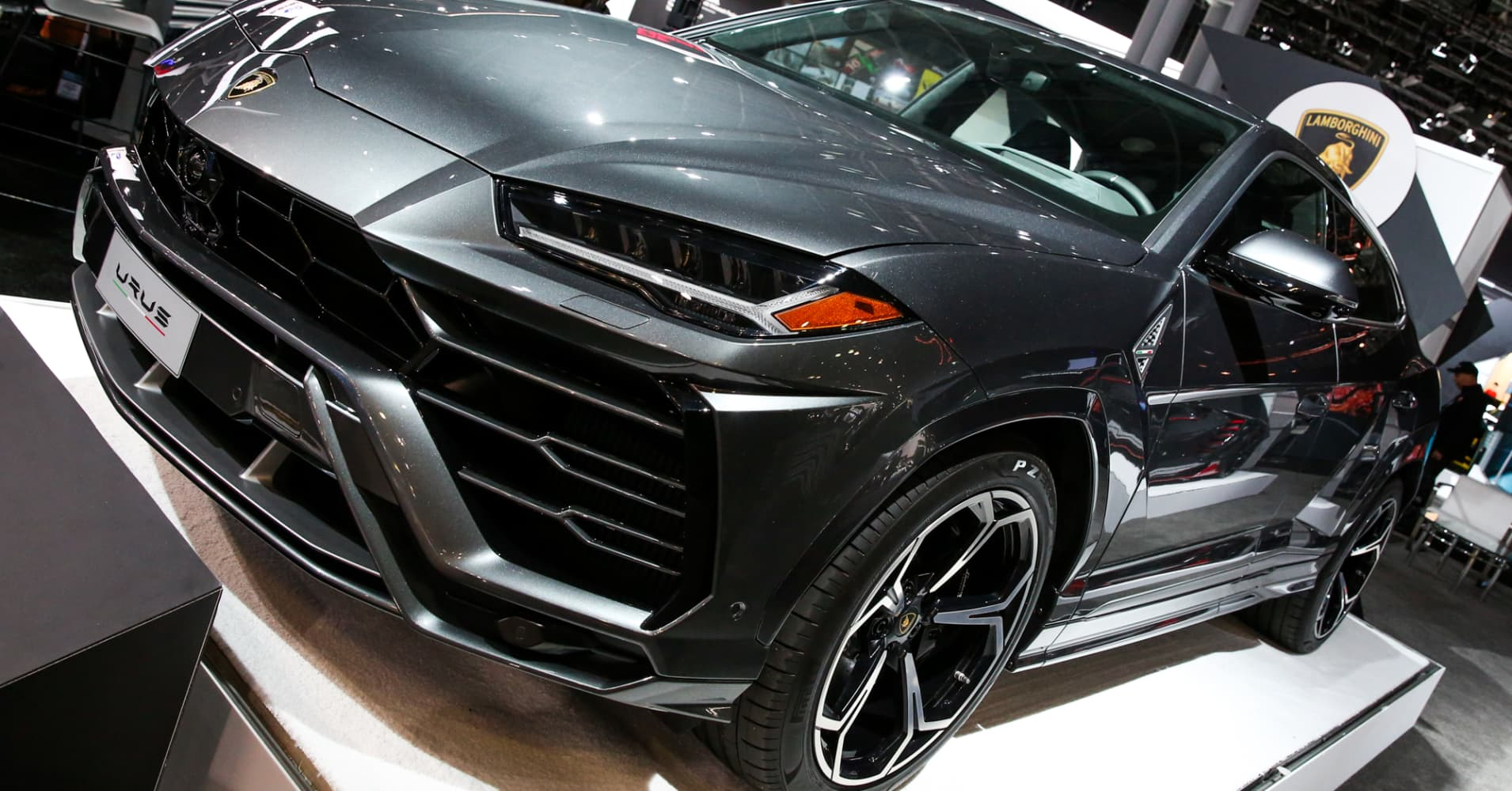 Lamborghini S New 200 000 Suv Is More Popular Than Expected