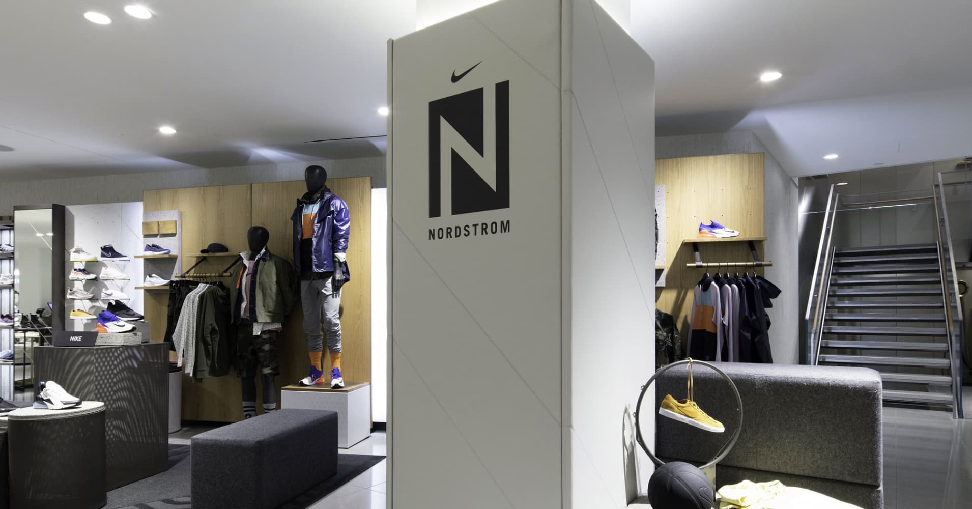 nordstrom 39 s first nyc store offers cocktails anytime pick up even a shave. Black Bedroom Furniture Sets. Home Design Ideas