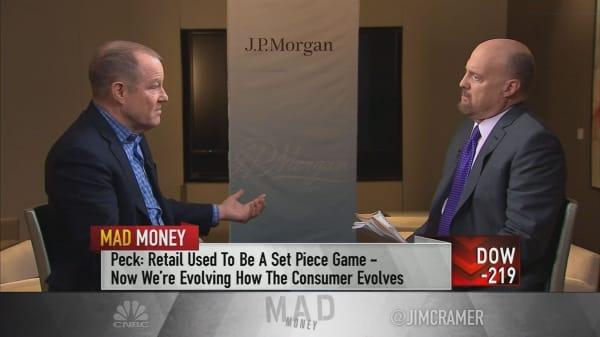 Big data gives Gap advantages over competitors: CEO Art Peck