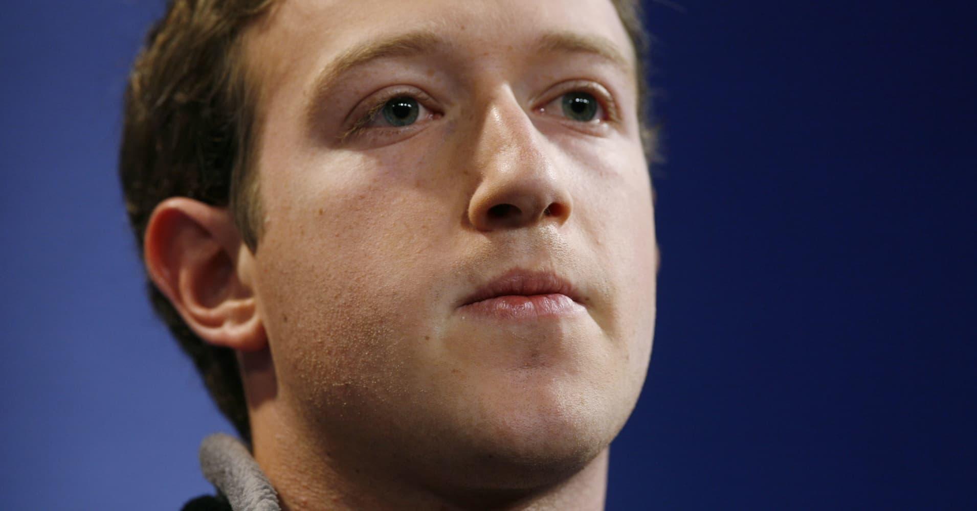 Tech stocks soar 3%, but Facebook lags behind