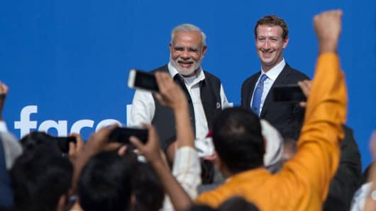 Indian Prime Minister Narendra Modi (L) and Facebook CEO Mark Zuckerberg attend a town hall meeting at Facebook headquarters in Menlo Park, California in September 2015.