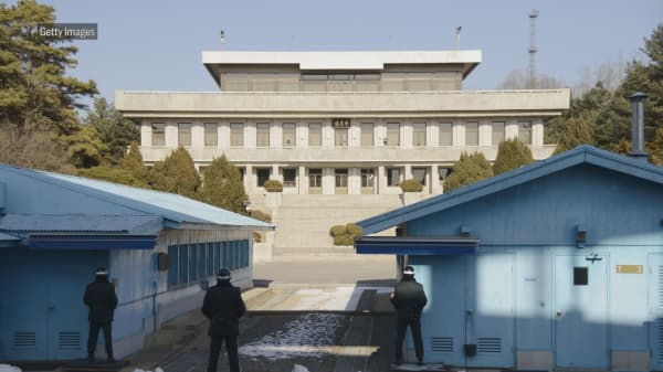 North and South Korea reportedly set to announce an official end to war