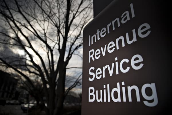 IRS payment website suffering tech issues on Tax Day