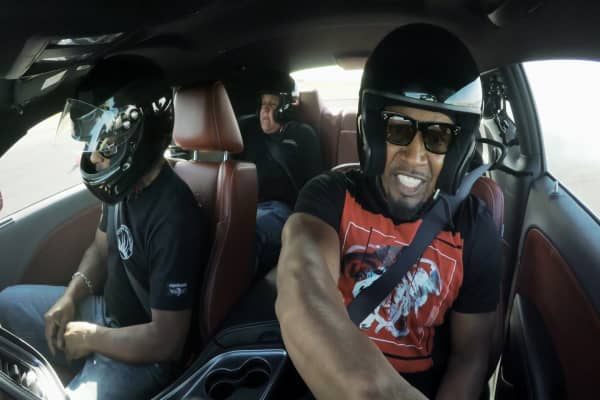 Jamie Foxx proves he can do his own stunts in a 200-mph Dodge Challenger