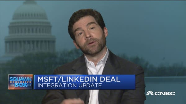 Microsoft 'exceeded our expectations,' says LinkedIn CEO