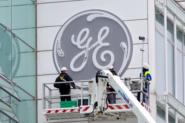Bob Wright: GE needs to pay more attention to cash now