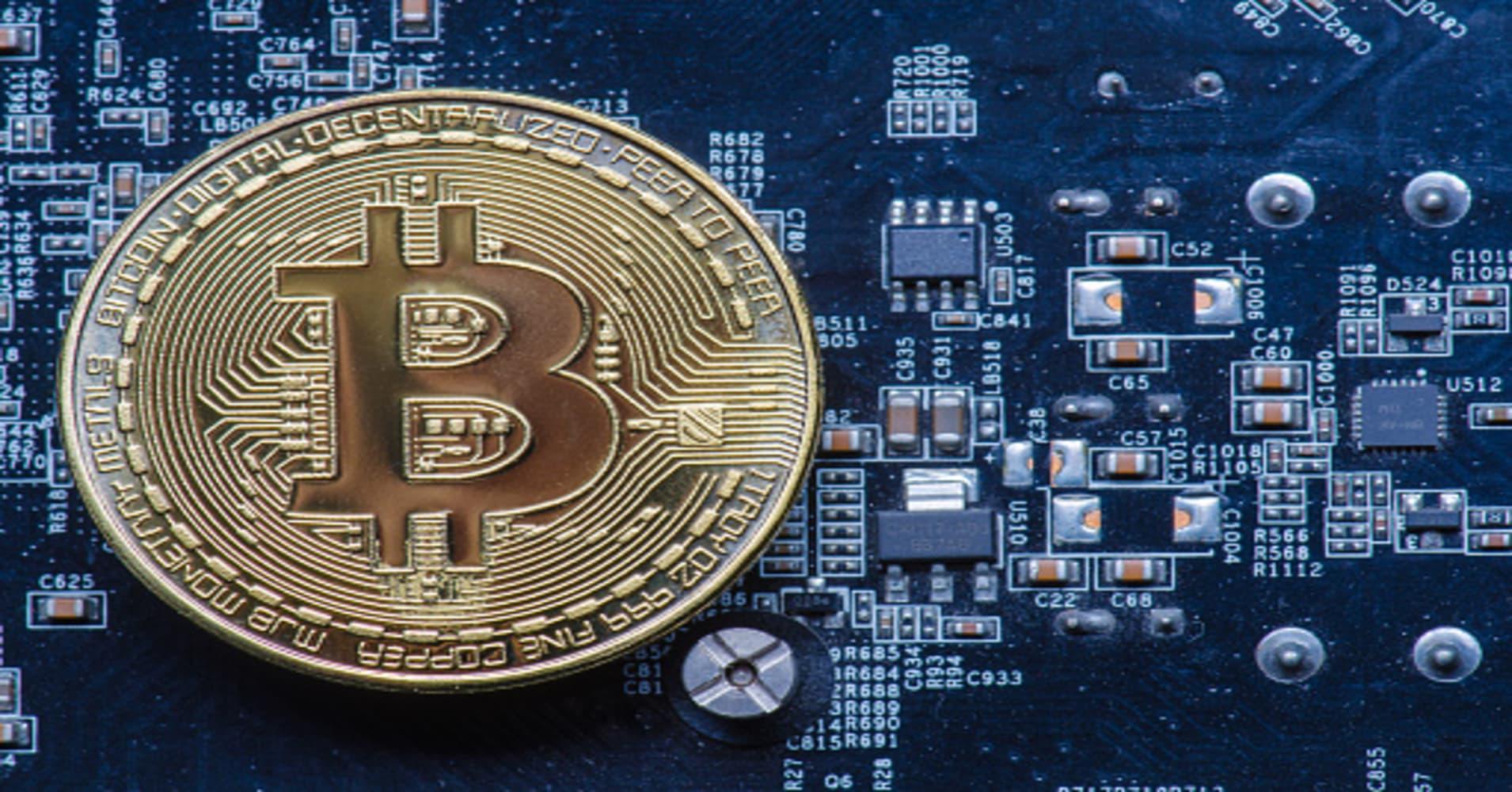 Bitcoin testing a key technical level