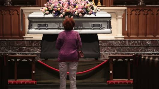 isitation is held for former first lady Barbara Bush at St. Martin's Episcopal Church on April 20, 2018 in Houston, Texas. Bush, who died at her home in Houston on April 17, was the wife of former president George H. W. Bush and the mother of former president George W. Bush. Her funeral service will be Saturday April 21.