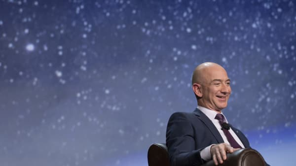 Suzy Welch: A simple question from Jeff Bezos forever changed the way I think about career success