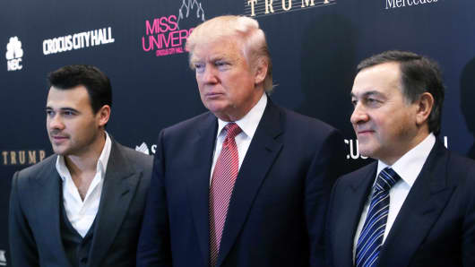 Crocus Group vice president Emin Agalarov, Miss Universe co-owner Donald Trump and Crocus Group president Aras Agalarov (L-R) hold a news conference on the Miss Universe 2013 Pageant, November 9, 2013 in Moscow.