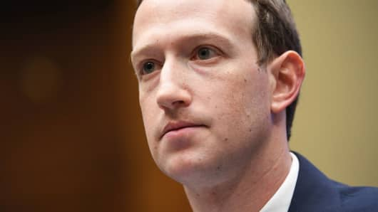 Lawmakers call for Zuckerberg to be held accountable for Facebook's privacy fumbles