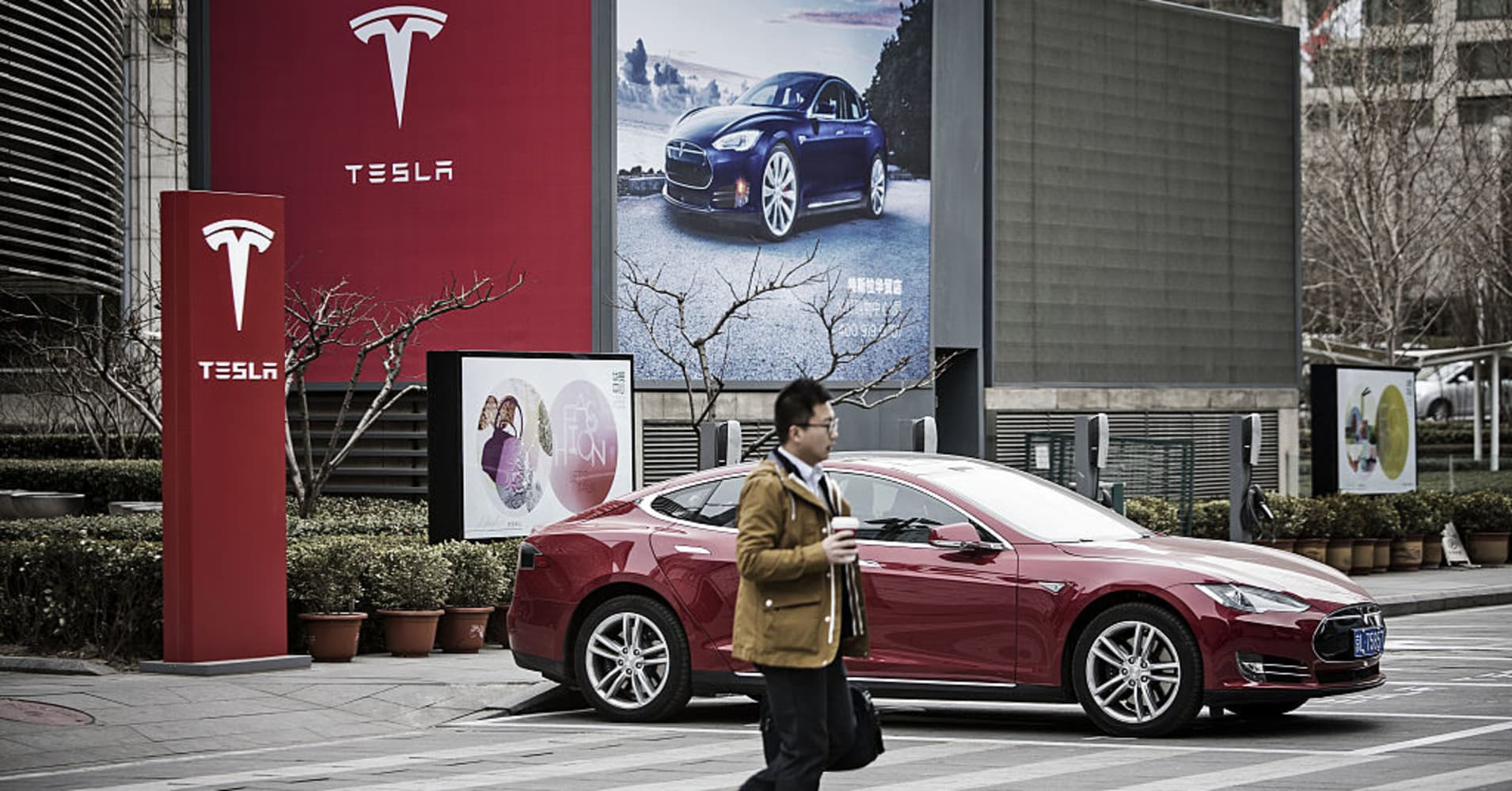 Tesla's China factory is set to begin production late next year, Shanghai government says